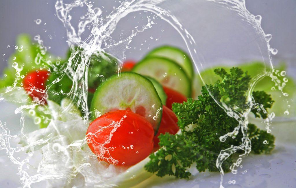 Gesundes Essen beginnt beim Einkaufen: Gemüse sollte die Basis bilden.